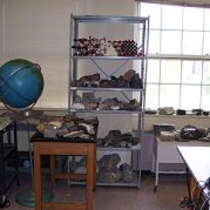 geology lab in department of Engineering and Environmental Science