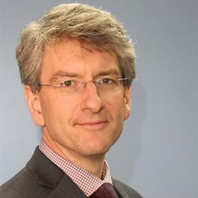 Dr. Ralf Peetz