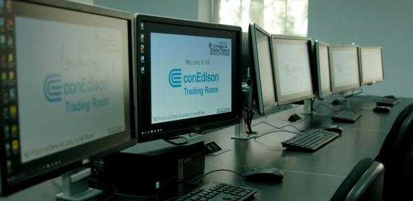 Con Edison Trading Room monitors